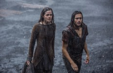 Emma Watson, en Ila, est le personnage sans doute le mieux développé du film après Noé. (Paramount)