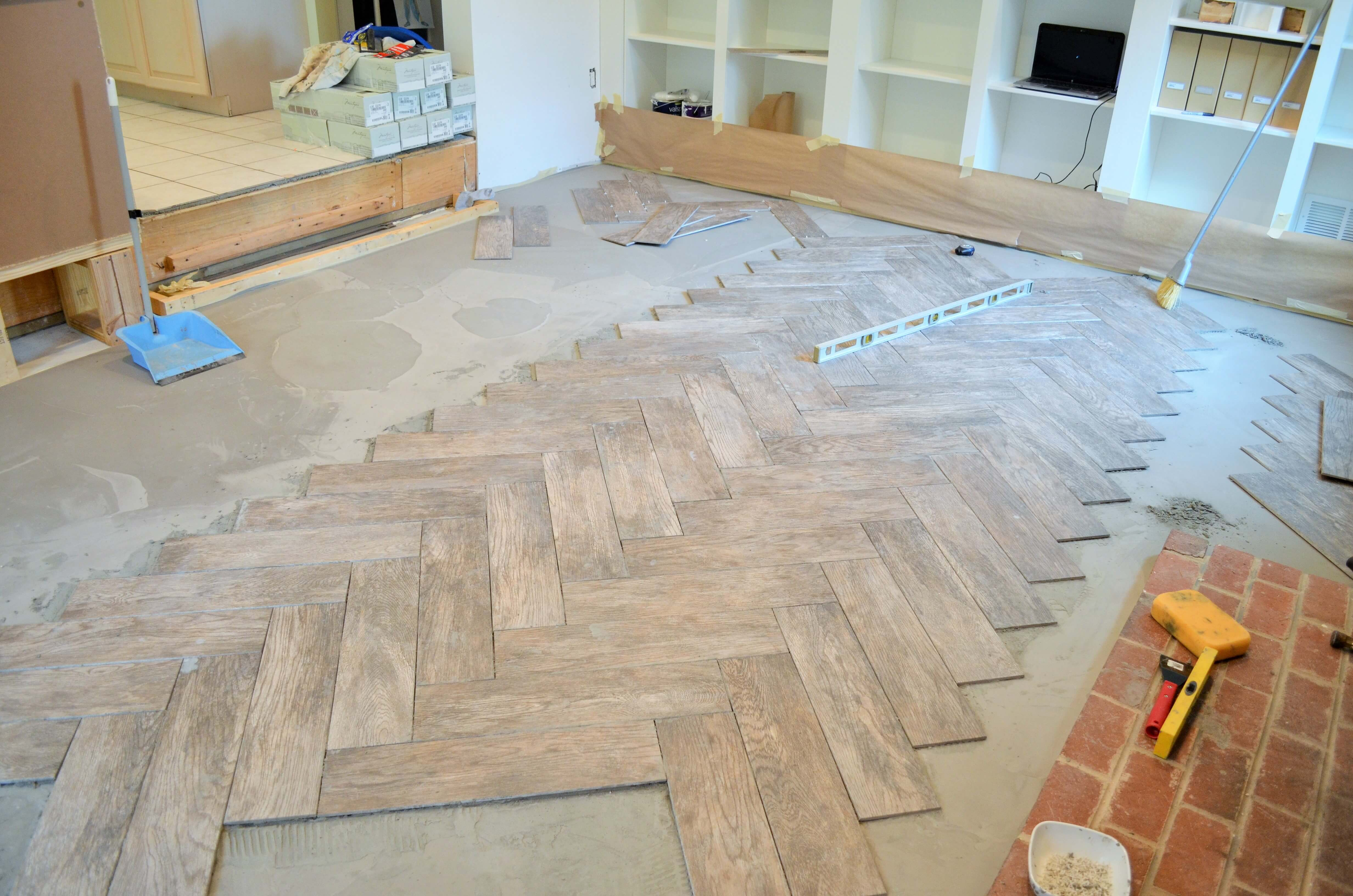 How to lay wood tile flooring