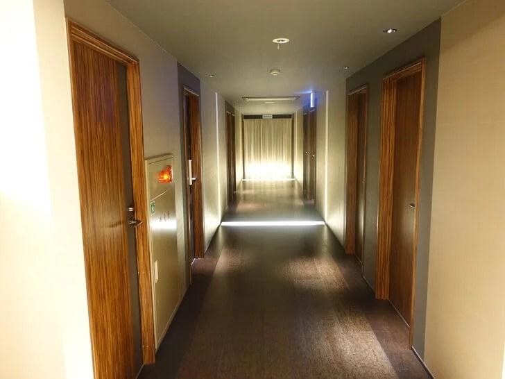フロアの廊下の写真