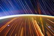 wonderful-long-exposure-photographs-shot-from-space