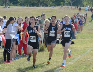 Top Cross Country Runners Participate in Rim Rock Meet