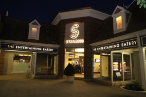 STANDEES Restaurant Delivers Warm Entertainment