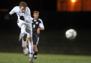 Recap and Gallery: Boys' Soccer vs. Wyandotte