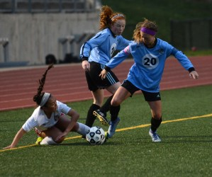 Gallery: Girls Varsity Soccer vs. Shawnee Mission North