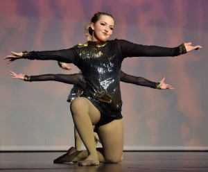 Sophomore Scout Rice performs a sassy dance with her fellow sophomores on varsity. Photo by Katherine McGinness