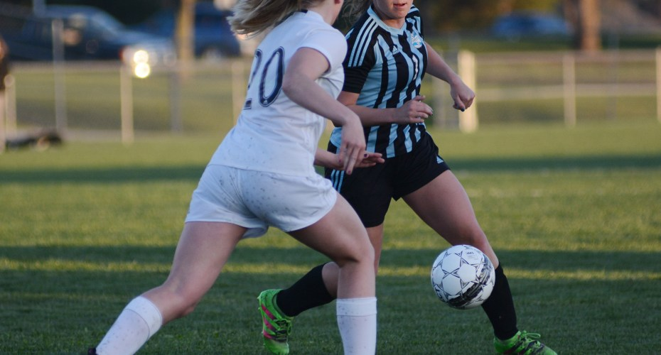 Girl's Varsity Soccer Falls to SM West