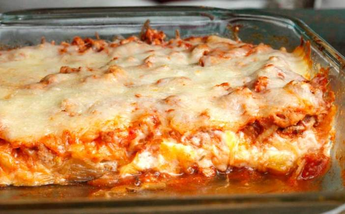 ... Spaghetti Squash Lasagna with Turkey Meat Sauce a try. It really is