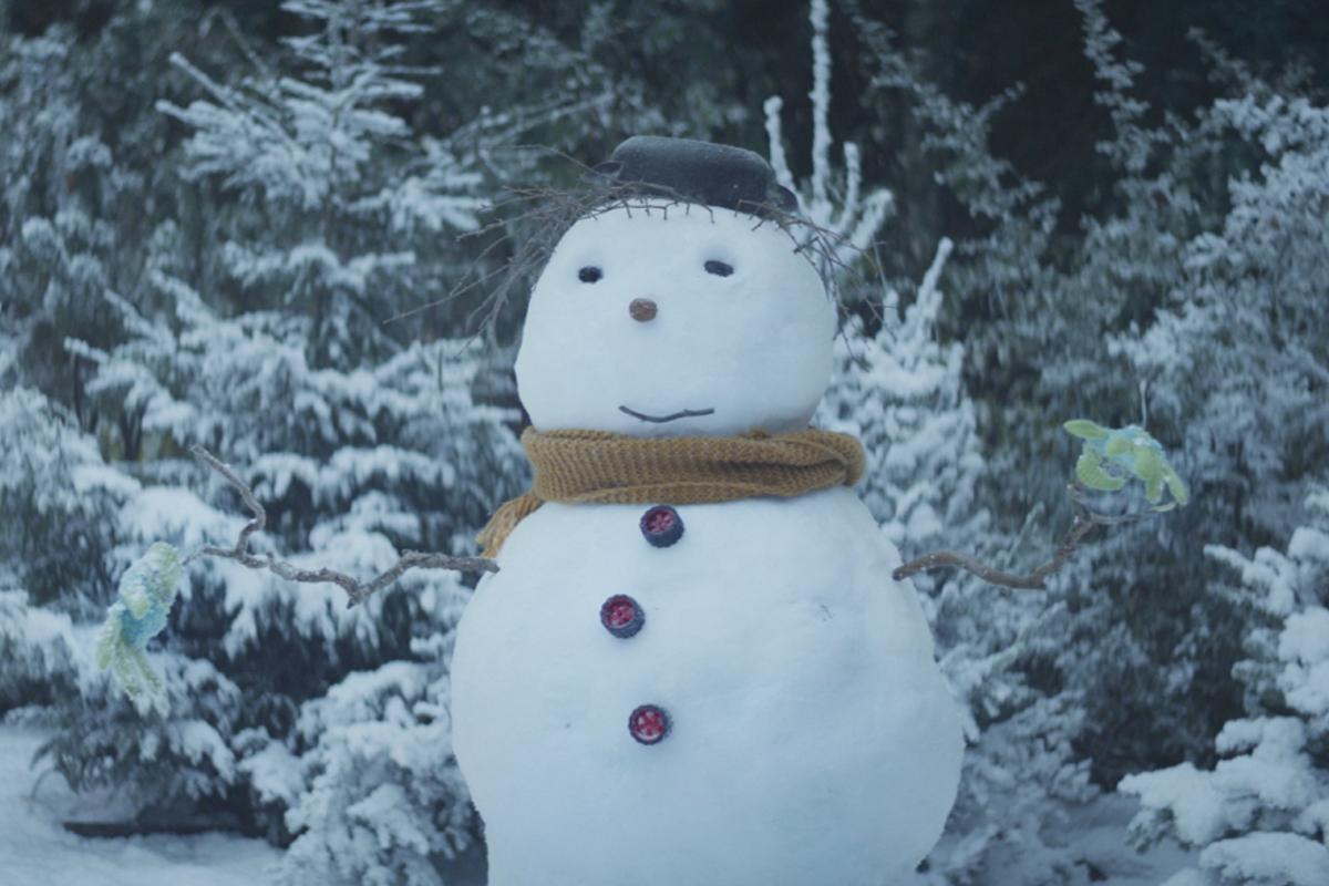 """REWE  präsentiert """"Ein Weihnachten, das von Herzen kommt"""" (Sponsored Video)"""