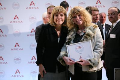 SMTS reçoit le Label AREVA des mains d'Anne Lauvergeon