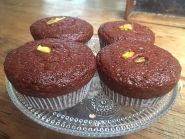 Muffins mit Pistazien aus rote Beete