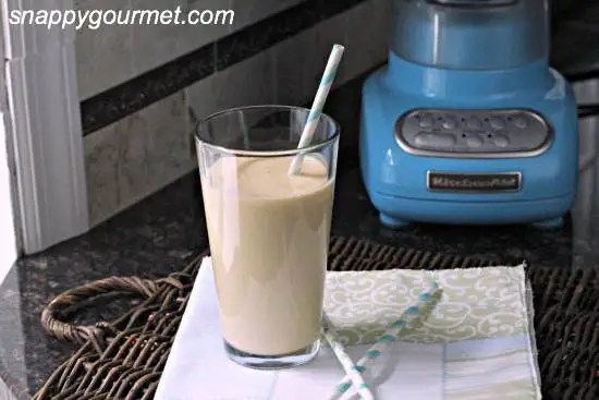 Peaches & Vanilla Cream Smoothie Recipe | SnappyGourmet.com