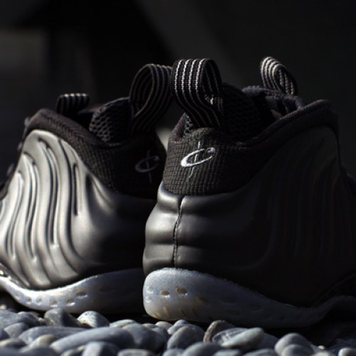 NIKE AIR FOAMPOSITE ONE BLACK/BLACK-MEDIUM GREY