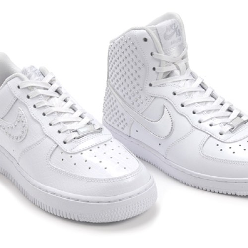 ウィメンズモデル「NIKE AIR FORCE 1 LIGHT HIGH」「NIKE AIR FORCE 1 '07」が発売