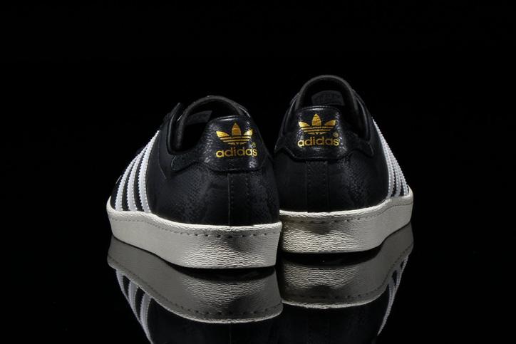 Photo05 - adidas Originals for atmos SUPERSTAR 80s GID Bの先行予約を開始
