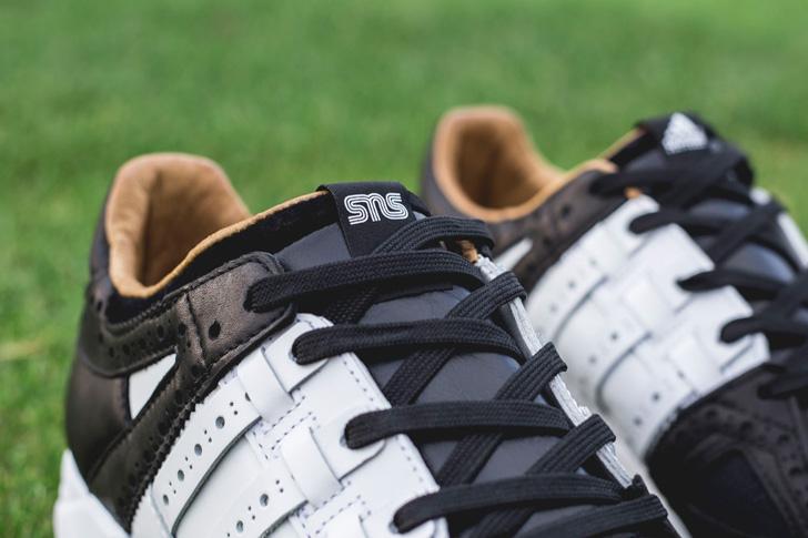 """Photo10 - アディダス コンソーシアムよりスウェーデンのスニーカーショップSneakersnstuffとのコラボレートによる""""TEE TIME"""" PACKが発売"""