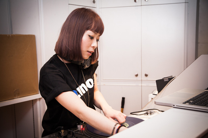 Photo10 - atmos &amp atmos girls x SHEL'TTER Reception Recap