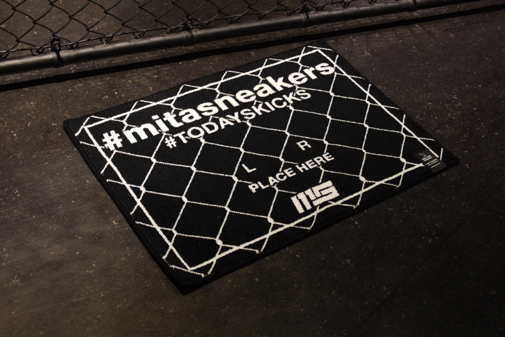"Photo01 - MAGIC STICKとmita sneakersによるコラボプロダクト#TODAYSKICKS TAG MAT ""mita sneakers""が発売"