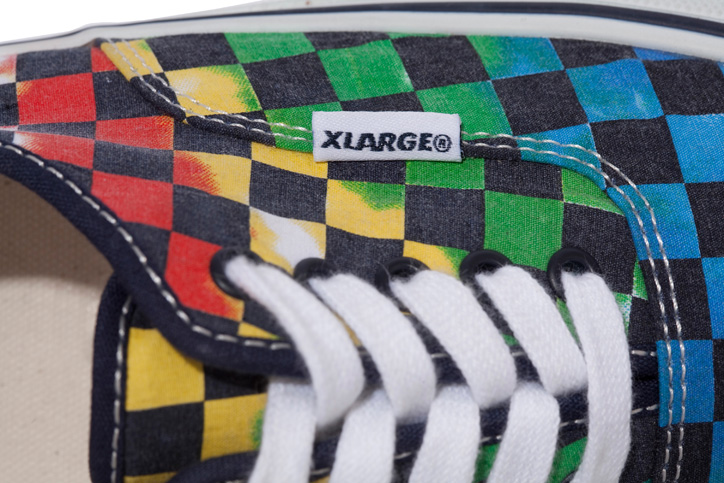 Photo04 - XLARGE® x VANS AUTHENTIC TIE-DYE CHECKER FLAG