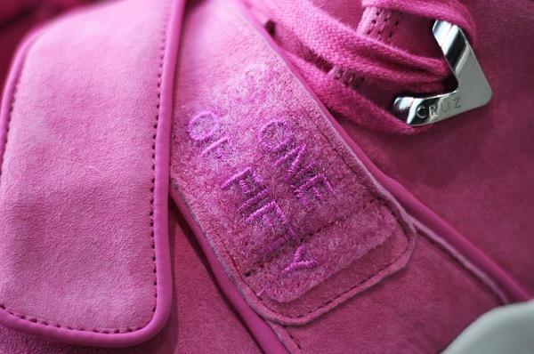 nike-air-trainer-cruz-think-pink-1