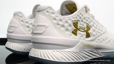 Foot-Locker-Under-Armour-Curry-1-Low-Friends-and-Family-9.jpg