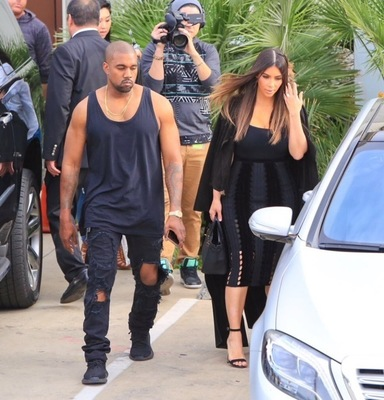 kanye-west-all-black-yeezy-boost-1.jpg