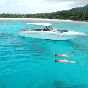 How to Snorkel Safe in Heavily Trafficked Waters
