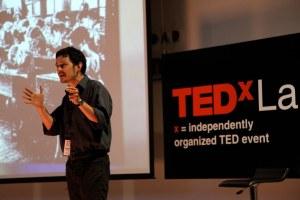 TED-forelesningene finner sted rundt i hele verden. Mange av disse er svært gode eksempler på god fagformidling. Foto: Flickr Juan Cristobal Cobo