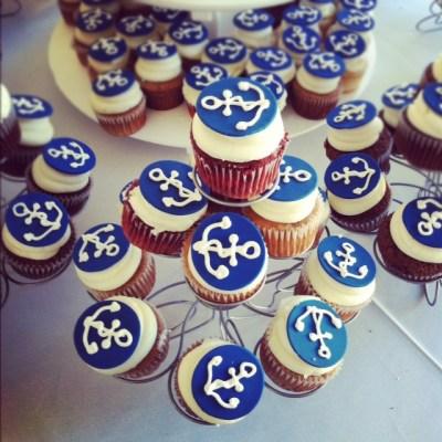 nautical anchor cupcakes