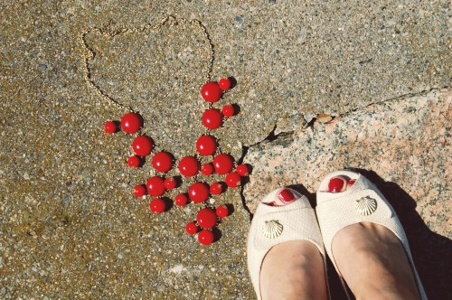 red j crew inspired bubble recklace; seashell wedges shoes
