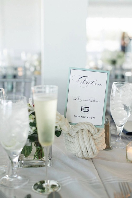 knot placecard holder
