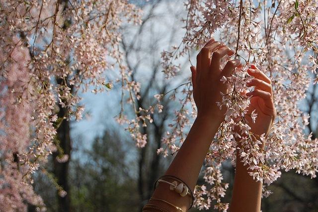 Ты мне руку свою протянул и помог