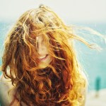 mood-girl-red-hair-laugh-smile-positive-sea-photo