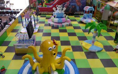 Детская игровая комната с мягкими модулями, надувной горкой и лабиринтом – отличное решение для малого бизнеса