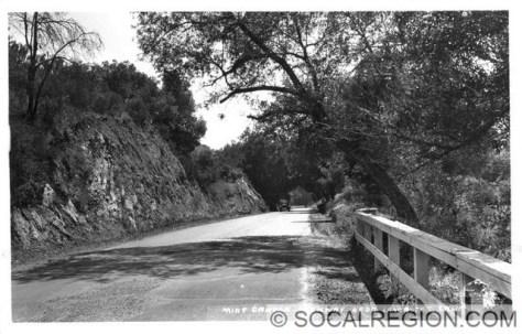 1927 view of Sierra Highway near The Oaks.