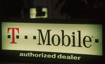 AT&T wants the antitrust lawsuits of Sprint and C Spire Wireless (Cellular South) against its planned acquisition of T-Mobile to be dismissed. Image: cafemama / Flickr (CC)