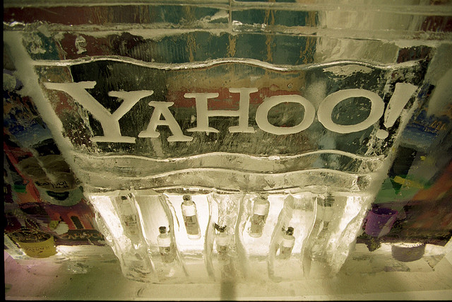 Yahoo, Facebook, lawsuit, settlement,