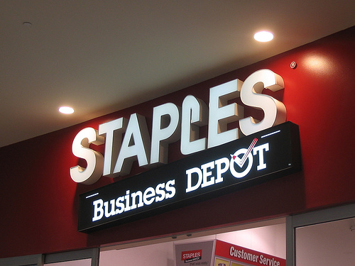 Staples and LinkedIn Partnership Launches Small Business Group SUCCEED