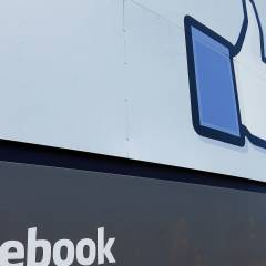 Facebook denies access to Pirate Bay links