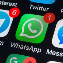WhatsApp is reportedly testing a new camera icon