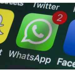 Facebook scraps plan to sell ads in WhatsApp