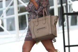 Kourtney-Kardashian-Shows-Off-Lean-Post-Baby-Body-in-Miami-2-671x1024