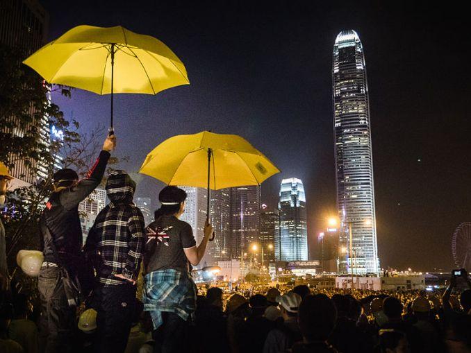 hong_kong_umbrella_revolution_-umbrellarevolution_-umbrellamovement_15292823874-2
