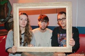 ITW – Bombay | Sophie sits down with the Amsterdam trio for a chat about their sophomore album Show Your Teeth