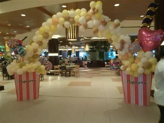 tema lollipop dan popcorn di Restoran Coffe Terrace