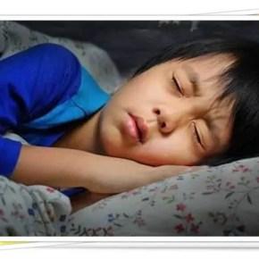 kadang-kadang timbul rasa kesian nak kejutkan anak yang sedang nyenyak tidur
