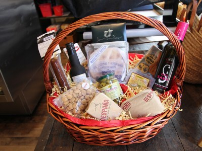 Despana Holiday Gift Basket