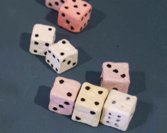 invencoes-presos---dados-de-papel
