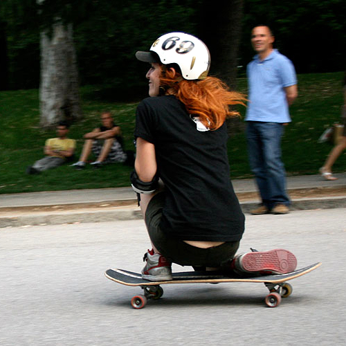 woman-skateboarder