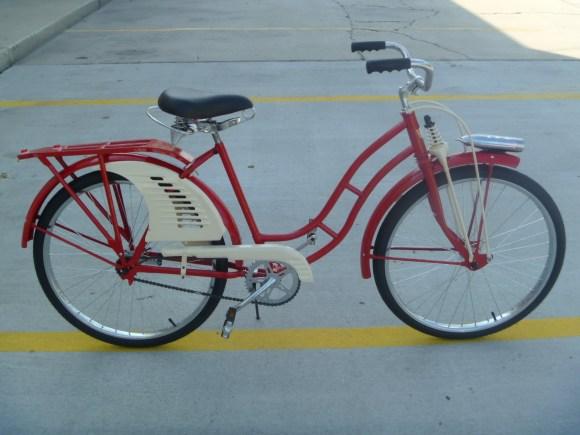 Antiga bicicleta vermelha