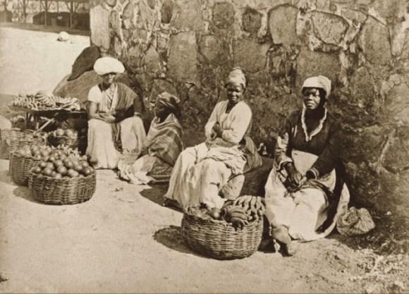 Quitandeiras em rua do Rio de Janeiro, 1875 (Marc Ferrez_Acervo Instituto Moreira Salles)